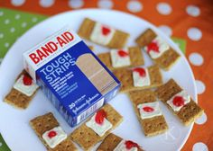 This webpage has lots of gross snacks for Halloween…used band aids?how cool This webpage has lots of gross snacks for Halloween…used band aids? Halloween Snacks, Fröhliches Halloween, Creepy Halloween Food, Hallowen Food, Halloween Goodies, Spooky Scary, Healthy Halloween, Creepy Food, Halloween Parties