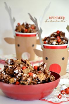REINDEER FOOD! A crunchy, gooey, and yummy Christmas snack!