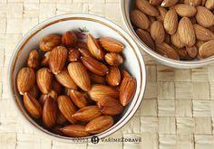 nabotnane-mandle Almond, Jeans, Food, Essen, Almond Joy, Meals, Yemek, Denim, Almonds
