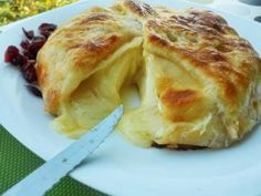 Receta | Queso brie en hojaldre con mermelada de albaricoque - canalcocina.es