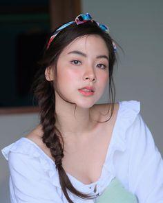 Cute Asian Girls, Beautiful Asian Girls, Celebrity Makeup Looks, Beautiful Girl Photo, Beauty Full Girl, Attractive Girls, Girl Photo Poses, Girl Face, Ulzzang Girl