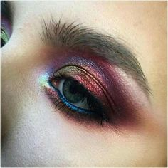 Amazing colours, I could buy some irridescant yellow eyeshadow, and blue eyeliner for this look