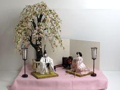 あなたは、これほどまでに美しい雛人形を見たことがありますか?立雛人形親王創作飾り『桜の木の下で』