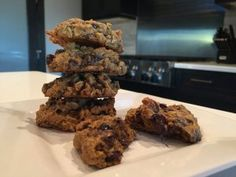 Healthy pumpkin cookies day fix friendly!) - so soft and chewy! 21 Day Fix Meal Plan, Cookie Time, Pumpkin Cookies, Healthy Pumpkin, Dark Chocolate Chips, Pumpkin Puree, My Recipes, Meal Planning, Sweet Tooth