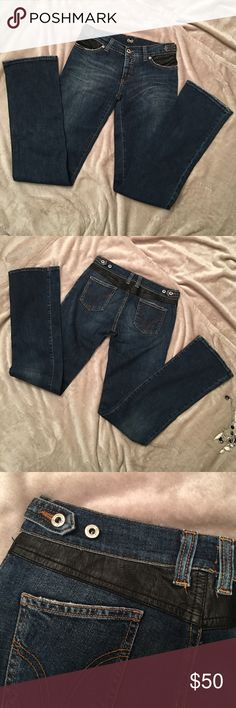 Dolce & Gabbana jeans with leather trim size 26 A Beautiful and so comfortable pair of D&G jeans. Straight cut. Waist can be adjusted with side buttons. See pictures for details. Dolce & Gabbana Jeans Straight Leg