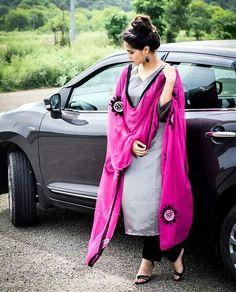 Are you researching for the best Latest Elegant Designer Punjabi Suit plus Elegant Designer ladies Salwar suits in which case Click Visit link for more info Punjabi Salwar Suits, Designer Punjabi Suits, Punjabi Dress, Indian Designer Wear, Patiala, Indian Suits, Indian Attire, Indian Wear, Punjabi Fashion