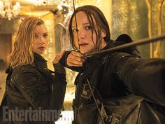 Preview of the #MockingjayPart2 Cover Issue of @EW + SIX NEW STILLS!!