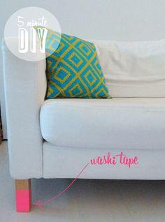 Pieds de canapés néon, avec le MT Shocking Pink :) Source : Poppytalk