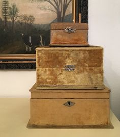 A mix of antique vintage victorian french cottage and shabby all things I love! Velvet Furniture, Velvet Ring Box, Bottle Box, Antique Boxes, Pretty Box, Handmade Books, Vintage Box, Vintage Velvet, Little Boxes