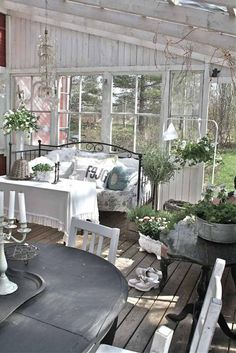 Garden decor with shabby chic furniture