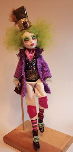 Mad Hatter by refabrications Alice In Wonderland Doll, Steampunk Dolls, Ever After Dolls, Doll Repaint, Monster High Dolls, Doll Crafts, 18 Inch Doll, Ooak Dolls, Custom Dolls