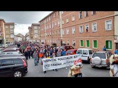 Altsasu sale a la calle para denunciar el acoso policial y mediático