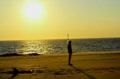 Geweldige zonsondergang Brouwersdam Zeeland bij Beachclub Perry's  www.bedandbreakfastbrouwershaven.nl