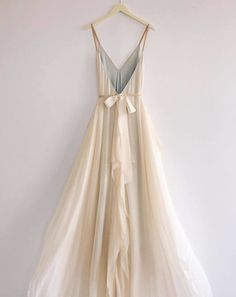 Deep v-neck a-line wedding gown in floaty silk chiffon. Flowy skirt and fun caftan feel, very easy to wear and comfortable. Bridal gown with straps and open back. Wedding ideas for the modern, whimsical, bohemian bride V Neck Dress, The Dress, Bohemian Bride, Bohemian Gown, Hippie Bride, Flowy Skirt, Flowy Gown, Silk Skirt, Silk Dress