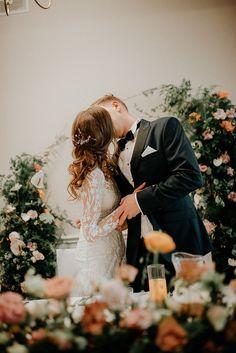 Dekoracja za Państwem Młodym  Fotografia: Lens with soul Dekoracja: W roślinach Photo And Video, Wedding Dresses, Instagram, Fashion, Fotografia, Bride Dresses, Moda, Bridal Gowns, Fashion Styles