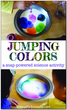 Jumping colors: a soap-powered science activity to demonstration surface tension Science Activities For Kids, Stem Science, Music Activities, Preschool Science, Color Activities, Science Experiments Kids, Preschool Learning, Stem Activities, Science Projects