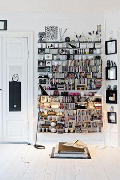 Bookshelf Organisation - Living Room Ideas - Ideas for Bookshelves - Modern - Monochrome - Home Storage