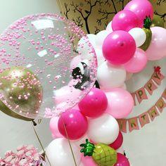 Прозрачный шар баблс Pop, Cake, Desserts, Instagram, Tailgate Desserts, Popular, Deserts, Pop Music, Kuchen