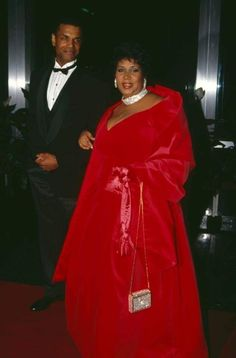 Aretha Franklin Funeral Outfit Picture aretha franklins best shoe style through the years aretha Aretha Franklin Funeral Outfit. Here is Aretha Franklin Funeral Outfit Picture for you. Aretha Franklin Funeral Outfit aretha franklin will wear diffe. Music Icon, Soul Music, Detroit Michigan, Tennessee, Funeral Outfit, Ted, Vintage Black Glamour, Aretha Franklin, Soul Singers