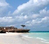 A praia de Nungwi, no extremo norte da ilha de Zanzibar - Africa.