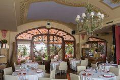 Detalle techo sala principal restaurante Sumoll