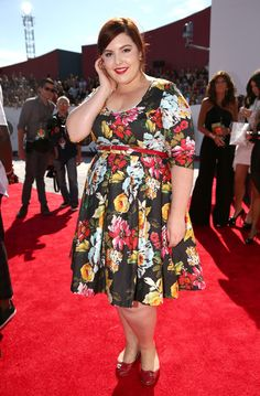 Mary Lambert Photos - Singer Mary Lambert attends the 2014 MTV Video Music Awards at The Forum on August 24, 2014 in Inglewood, California. - Arrivals at the MTV Video Music Awards — Part 2