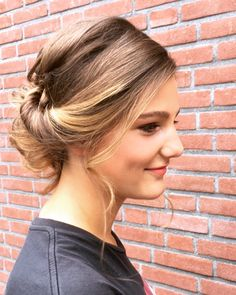 Prom updo • Salon du Trezo Prom Updo, Updos, Salons, Earrings, Fashion, Ear Rings, Moda, Lounges, Stud Earrings