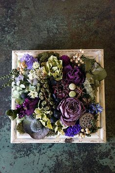 Dried Flower Arrangements, Beautiful Flower Arrangements, Sola Flowers, Dried Flowers, Diy Resin Crafts, How To Preserve Flowers, Frame Crafts, Arte Floral, Flower Farm