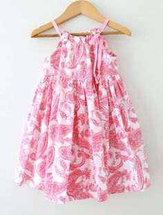 Girls Easter DressRasberry Pink Paisley French por ChasingMini