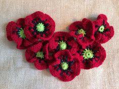 Poppy Flower - via @Craftsy...free crochet pattern! ༺✿ƬⱤღ http://www.pinterest.com/teretegui/✿༻