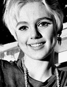 Edie Sedgwick Andy Warhol Art Film Factory Superstar of the 1960s Vogue Magazine Youthquaker It Girl of 1965