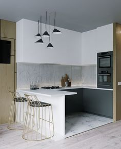 These minimalist kitchen concepts are equivalent components serene and also elegant. Discover the best suggestions for your minimalist style kitchen that fits your preference. Browse for amazing images of minimalist design kitchen for ideas. Home Decor Kitchen, Kitchen Interior, Design Kitchen, Bathroom Interior, Studio Apartment Kitchen, Kitchen Ideas, Design Scandinavian, Contemporary Home Decor, Contemporary Design