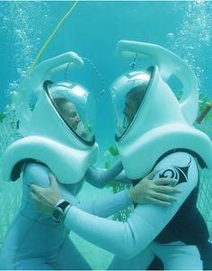 Bora Bora offers Underwater Weddings. More pics: http://www.travelbook.de/welt/Auf-Bora-Bora-Wuerden-Sie-unter-Wasser-heiraten-564755.html