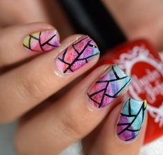 Gradient shattered glass nail art