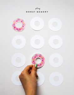 The memory game is one of my kids favorite games to play together and I love these colorful sprinkle donuts. Donut Birthday Parties, Donut Party, Donut Games, Diy Paper, Paper Crafts, Planner, Diy Toys, Diy For Kids, Kids Playing