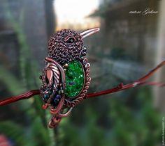 Купить Колибри.Брошь с уваровитом - зеленый, изумрудный колибри брошь, брошь с уваровитом медь