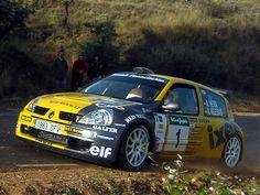 Berti y Pin, campeones de España de rallyes 2004 con el Renault Clio S1600 oficial