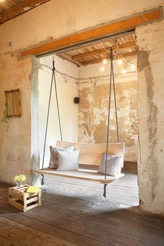Instructions for a swing couch at HandmadeKultur /// PorchSwing - great Idea . Instructions for a swing couch at HandmadeKultur /// PorchSwing - great Idea and DiY Source. Swing Design, Design Design, Diy Casa, Porch Swing, Diy Swing, Front Porch, Balcony Swing, Indoor Swing, Diy Furniture