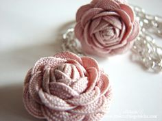 rose, sewing machines, hair clips, fabric flowers, rickrack, craft tutorials, bow, flower tutorial, rick rack