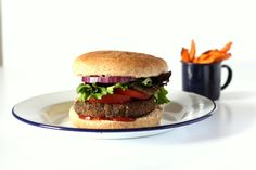 A quick chipotle black bean burger recipe. This veggie burger recipe is egg free so makes a great vegan burger recipe too.
