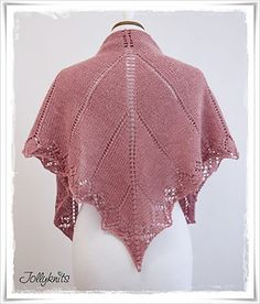 Knit a Lace Shawl is not magic. With this detailed manual (29 pages ) I will show you with many photos and step- by-step description how to knit the shawl.