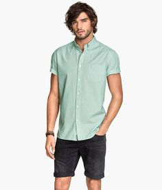 Mint green short-sleeved shirt with chest pocket & button-down collar. | H&M For Men
