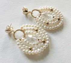 Gold Pearl Dangle Earrings White pearl Earrings by Sifrimania Hippie Jewelry, Pearl Jewelry, Wire Jewelry, Bridal Jewelry, Beaded Jewelry, Skull Jewelry, Circle Earrings, Crystal Earrings, Diy Earrings