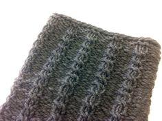 DIY tutorial cómo tejer con telar trenzas de lana bufanda