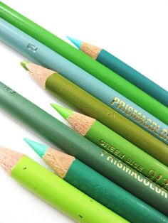 These colored pencils showcase the many different shades of green. Blue And Green, Go Green, Shades Of Green, Emerald Green, Green Colors, Bright Green, World Of Color, Color Of Life, Color Explosion