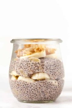 Here's 6 easy and healthy recipes for how to make CHIA PUDDING! These make delicious vegan, gluten-free breakfast ideas. Recipes with almond milk, strawberries, chocolate, coconut, you name it! SO yum. #chiapudding #chiapuddingrecipe #healthybreakfast Good Healthy Recipes, Healthy Breakfast Recipes, Gourmet Recipes, Easy Recipes, Pudding Flavors, Pudding Recipes, Nutritious Snacks, Healthy Snacks, Chia Recipe