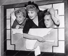 photo Lucille Ball Desi Arnaz Vivienne Vance TV show I Love Lucy 3200-31