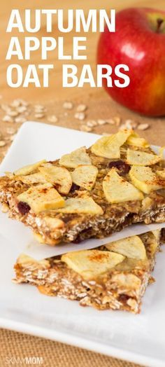 These apple oat bars are both healthy and delicious! You know we love our apples any way we can get them :) Healthy Desserts, Delicious Desserts, Yummy Food, Healthy Breakfasts, Healthy Meals, Healthy Food, Tasty, Low Fat Snacks, Low Calorie Snacks
