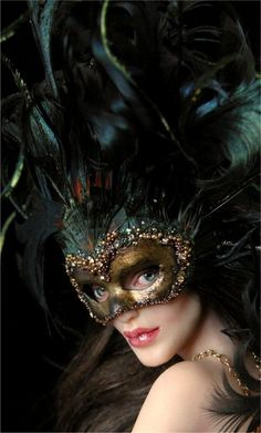 Venetian Courtesan - face by *wingdthing // Sculpture
