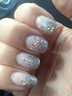 Gradient sparkle nails